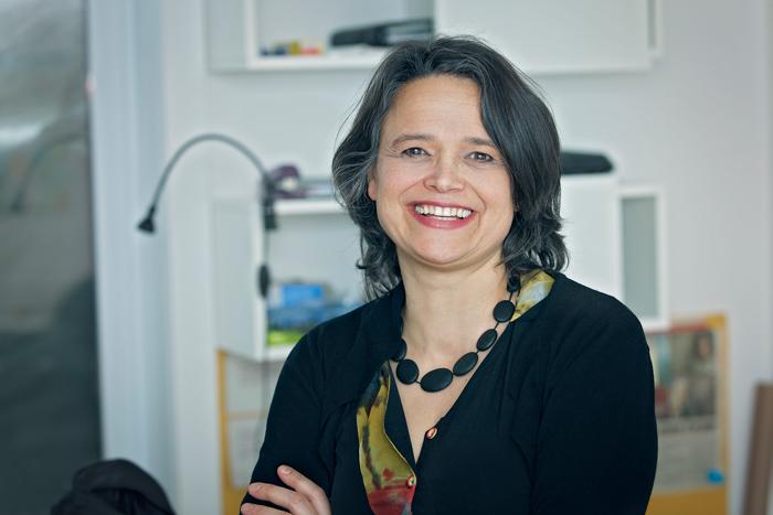 Isabel Serra, fondatrice du programme « Naos jeunesse : la créativité en action! (NJCA) »